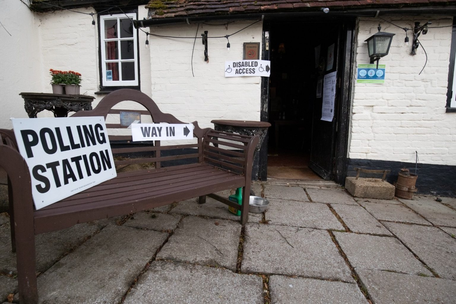 polling station - photo #34